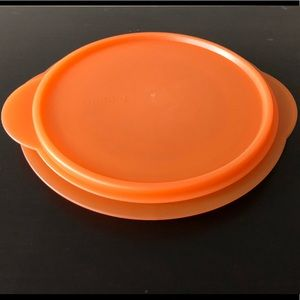 Tupperware Flat Out Orange 4 Cup Bowl with Seal